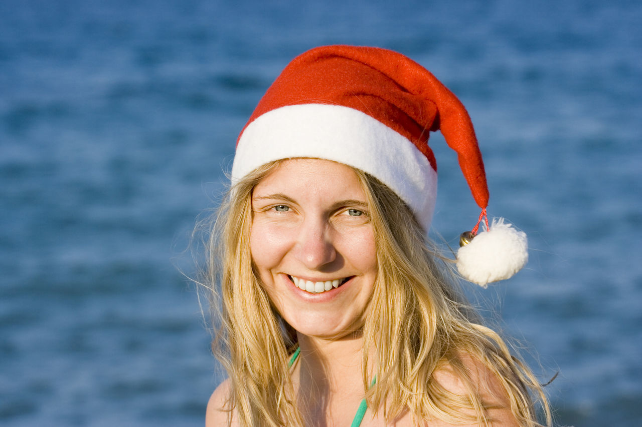 Beautiful stock photos of weihnachtsmann,  20-24 Years,  Adult,  Adults Only,  Beach