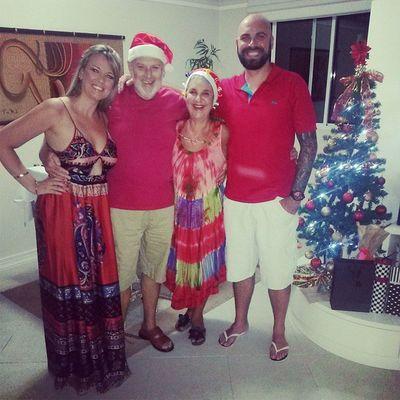 Feliz Natal, queridos amigos! Um beijo imenso no coração de cada um!♡♥ FamíliaSoWen Natal Christmastime Itapema santacatarina brazil felizdemais émuitoamor