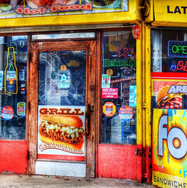Doorporn Hdr_Collection EyeEm Best Edits Colorful Streetphotography Drive By Shooting