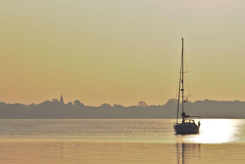 Morgens um 5 in Stralsund - goldene Stunde First Eyeem Photo Harbour View Hafencity Stralsund  Relaxing Sailboat Golden Hour Golden Moments 43 Golden Moments  43 Golden Moments