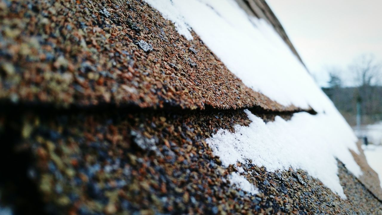 Selective Focus Close-up No People Day Outdoors Sky Roof Winter Snow Maryland USA Beauty In Nature Cold Temperature Nature Shingles Texture The EyeEm Collection