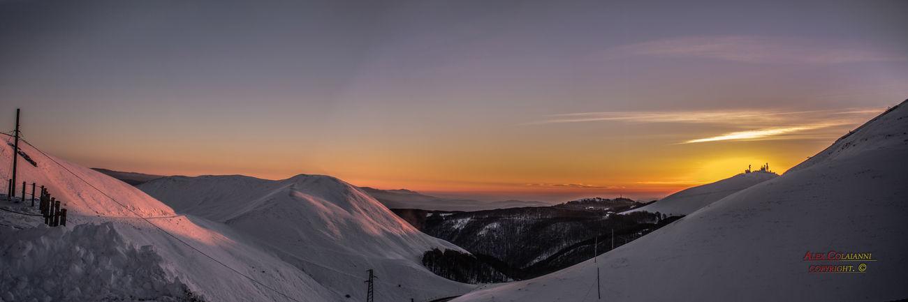 panoramica con unine di tre scatti e il tramonto Colors Day IT Landscape Mare Mountain Má No People Nofilter Outdoors Panorama Riesenrad S Scenics See Sky Snow Sunset Termini Winter