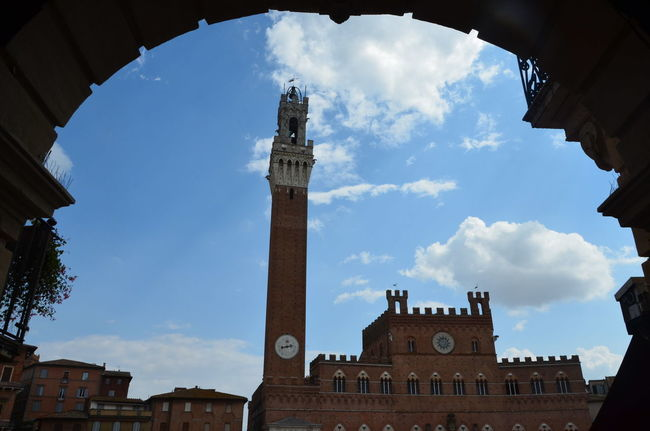 Siena Architecture Low Angle View Famous Place Clock Tower Culture History Relaxing Summertime Toscana Toscany Italy The Tourist Ancient Architecture Siena Tuscany Siena Siena Piazza Del Campo Piazza Del Campo