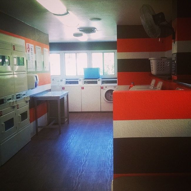 Cutest laundry room ever? Chores Friday