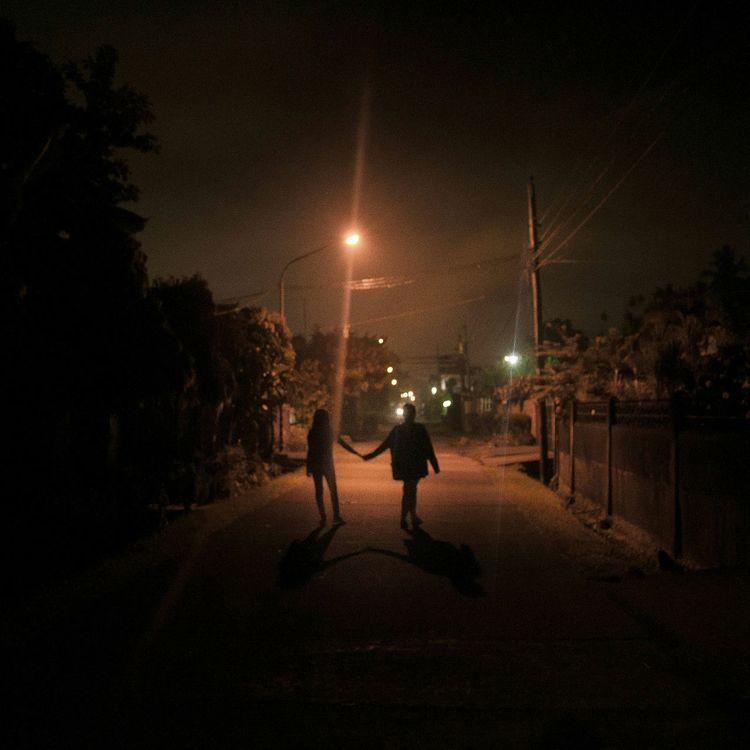 Night Nightphotgraphy  Silhouette Light Light And Shadow Late Night Walks Love Lovewins Real People Life Street Streetphotography Story 3am Photophile Lovers Friends People Walk EyeemPhilippines