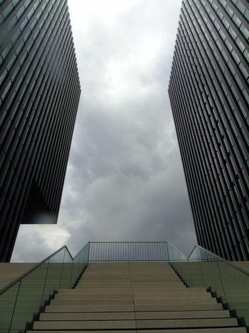 Architecture Love To Take Photos ❤ Outdoors I LOVE PHOTOGRAPHY I LIKE👍EyeEm😃👍 EyeEm Best Shots I Like This Shot Architectural Detail Düsseldorf Hafen Beautiful View Düsseldof Düsseldorf Medienhafen🌾