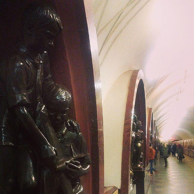 "Станция ""Площадь революции""Weather Evening Russia Ifollow Instagram Instagood Photo Pleasefollow Pleasefollowmе Sky Happy Life Like Cool Beatiful New Nice Moscow"