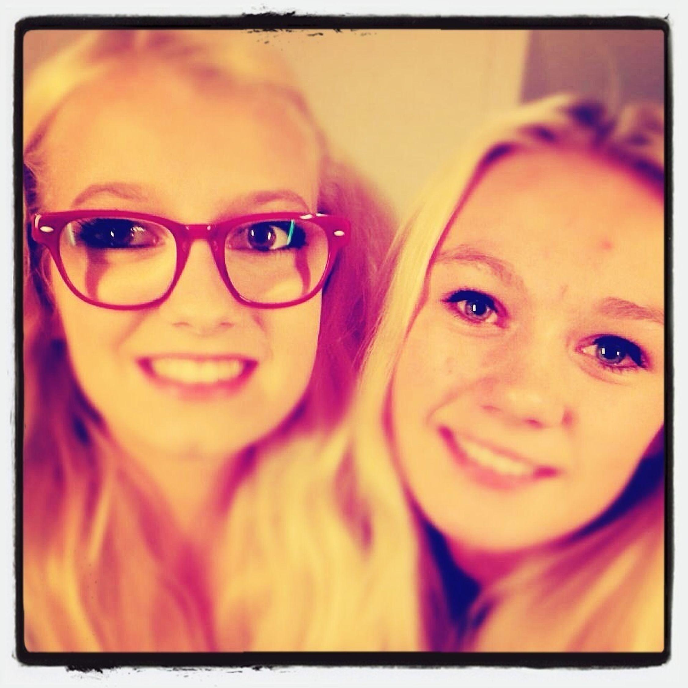 Min to dejlig piger Rikke og Pernille <3 tusen gange tusen kys til jer