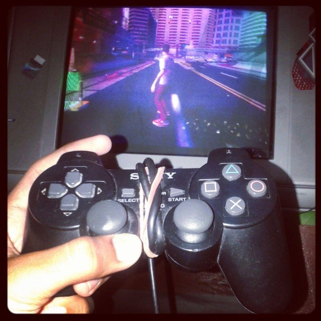 Dia yang ngerti perasaan ku saat ini :D Playstation2 Tonyhawkprovingground Instaplay
