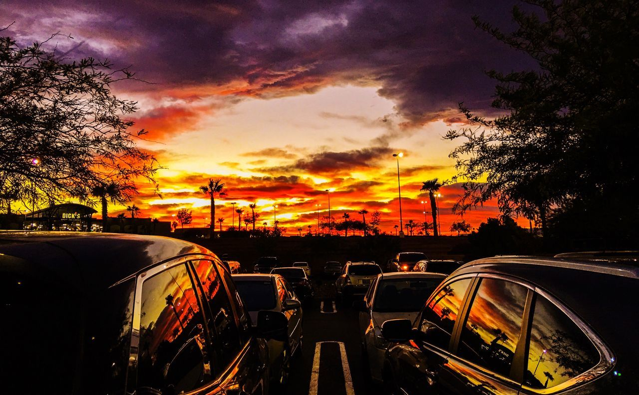We all get our own unique sunsets, and I bet they're all amazing. But I'm lucky enough to get Vegas  . This is probably the dopest picture I've ever taken at work. Lucky Life Costco Tire Shop Life Henderson Work Hard Work Art