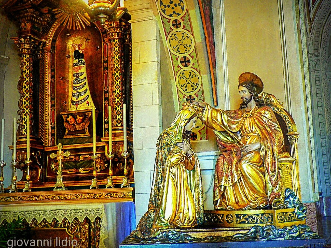Religion Statue Spirituality Indoors  Sculpture Gold Colored Gold Tranquility Fotografia Photography Garda Lake Italy Gardasee Lagodigarda Foto Travel Destinations Chiesa Santuario Santuary Montecastello