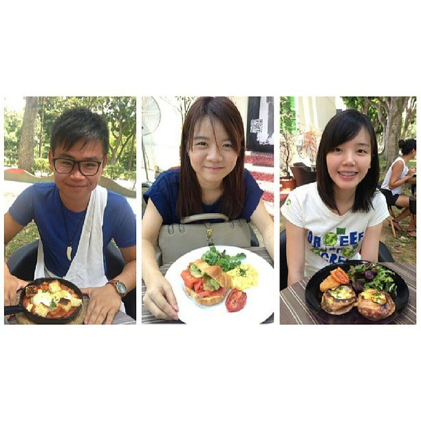 Finally met up with my ey seniors again! @lynelynn @wanchingfoong Nomnom