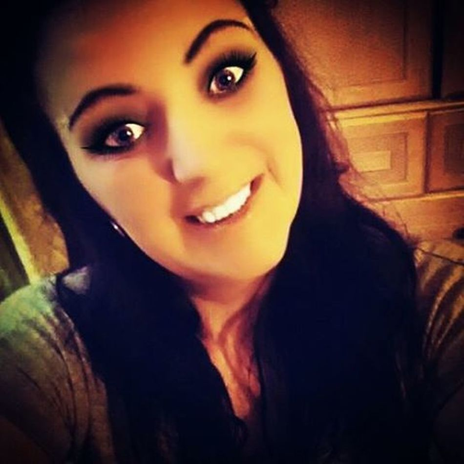 Me CFS Chronicpain Iwillbeatthis MakeupJunkie Smile Behappy Posing
