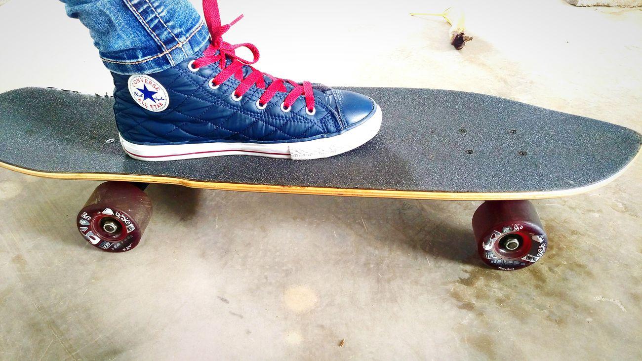 Skatergirl Skateboarding Converse Chucktaylor Redandblue Hightops Shortboard Skateboard Skaterlife