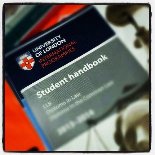 估唔到我竟然又重投讀書嘅懷抱,很意外吧?! 加油呀,MH MAK LLB UNIVERSITY_OF_LONDON Become_student_again Try_my_best
