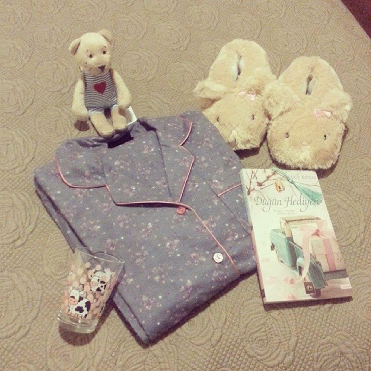 Tatlı uykular ? ? ? Bonnenuit Pijama Panduf Yatak pyjamas book bed enguzeluclu keyfimyerinde love bunny bear