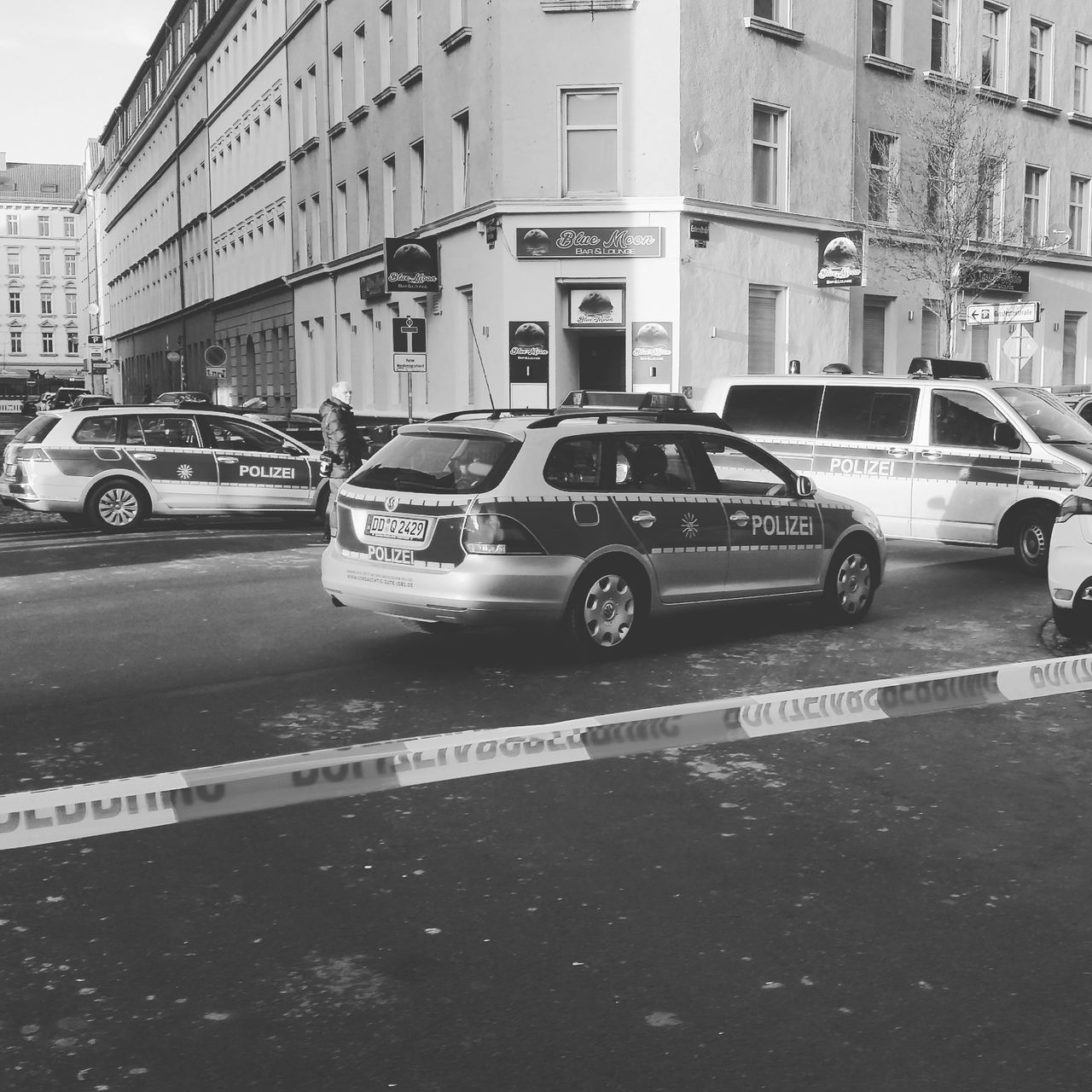Crime Crimescene Police Policeman Police Car Policecar Police At Work Policeline Polizei Polizeieinsatz Blackandwhite Black And White Black & White Blackandwhite Photography Black&white Leipzig Lindenau Leipzigram Germany