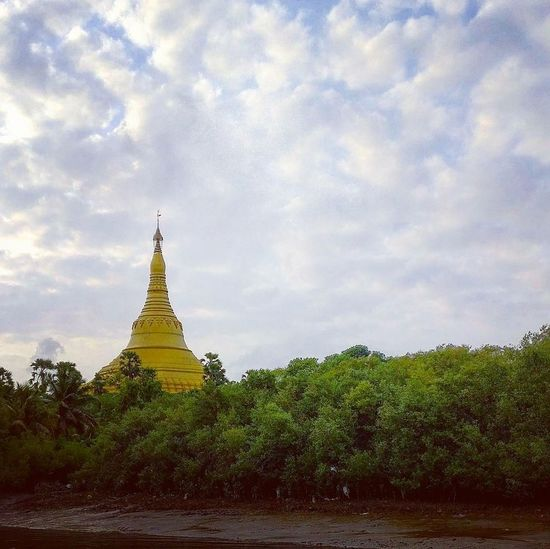 Kaushalgokarankar'sphotography Justclick Architecture Built Structure Pagoda Landscape Outdoors Architecture Beauty In Nature Religion Arrival Nature Tourism Gold Colored Travel Ancient Gold Travel Destinations Sky No People Day