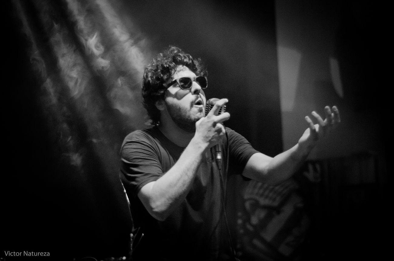 Show Music Loboybrujo Luz Sombra Victornatureza Rock Musica Vitaonatureza Olharnatural Pretoebranco Pb