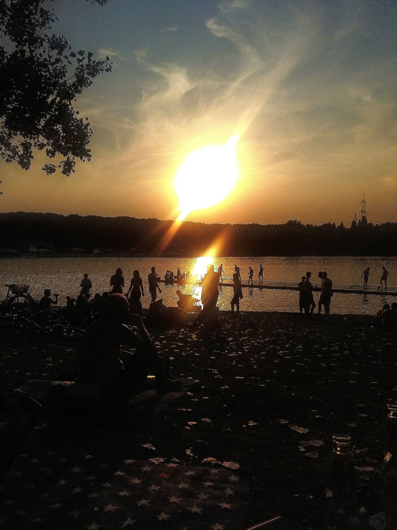 Relaxing Handyphoto Hanging Out Check This Out Water Sun Goes Down Sonnenuntergang See Unique Moments Hello World Köln We Are The World We Are The People Life Leben Sommer Sterne