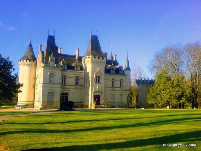 Le Château de Nieuil Château De Nieuil Charente Naturelovers Innocence Light And Shadow Nature_collection Paysage Hello World