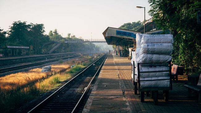 Early morning at an Indian train station (Udupi - Karnataka) Udupi India Indiapictures Lonelyplanetindia Travel Photography Traveling Karnataka Karnatakaisbeautiful Beautifulindia Train Station Udupistation