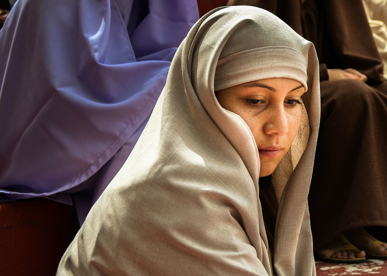 Beautiful stock photos of lippen, hijab, one person, real people, traditional clothing