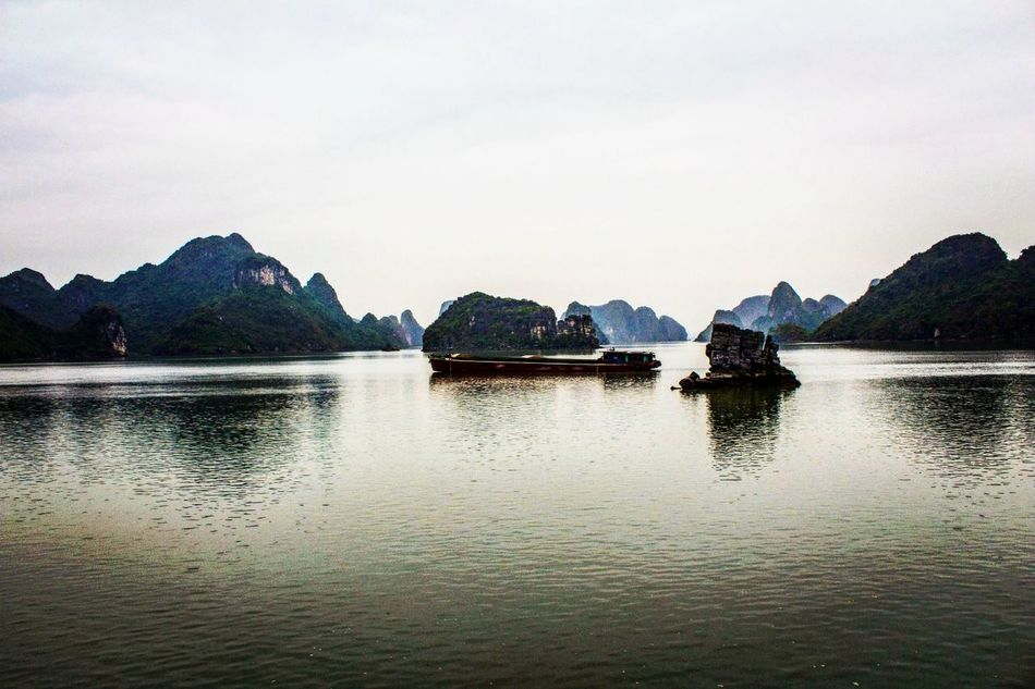 Halong Halongbay Boat Halong Bay Vietnam EyeEmNewHere EyeEmNewHere The Secret Spaces Art Is Everywhere