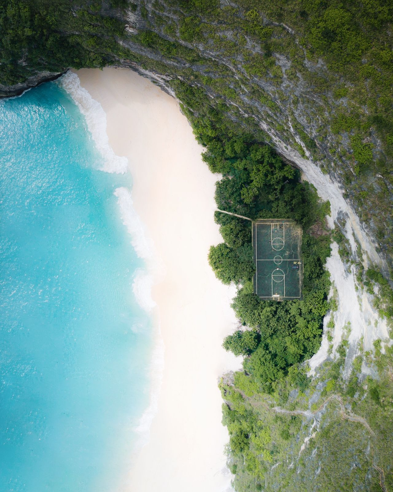 Right by the shore 🏀 🌊 Water Tree Dronephotography Drone  Day High Angle View No People Beach Sea Hypecourts