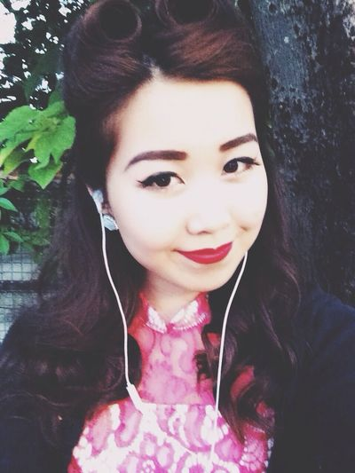 Chimes vintage look for the vintage party Vintage Fashion Pin Up Self Portrait Asian Girl