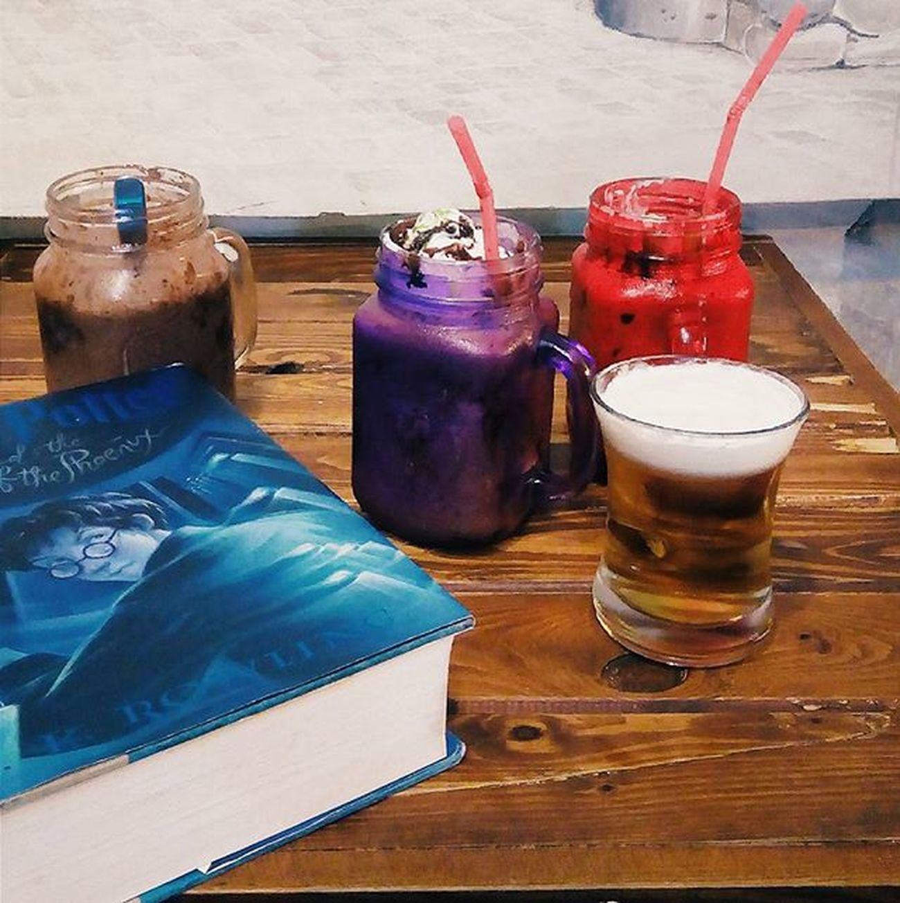 Some frappes and a dose of Butter Beer. *things that I daydream about the most 🍻🍪☕ Throwback Thenookcaffe Vscocam VSCO Slytherinpride