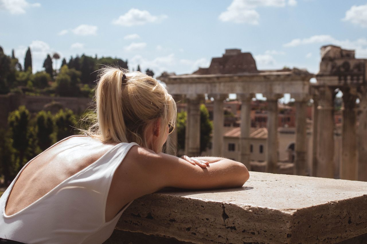 Beautiful stock photos of roma, 30-34 Years, Ancient, Archaeology, Architectural Column