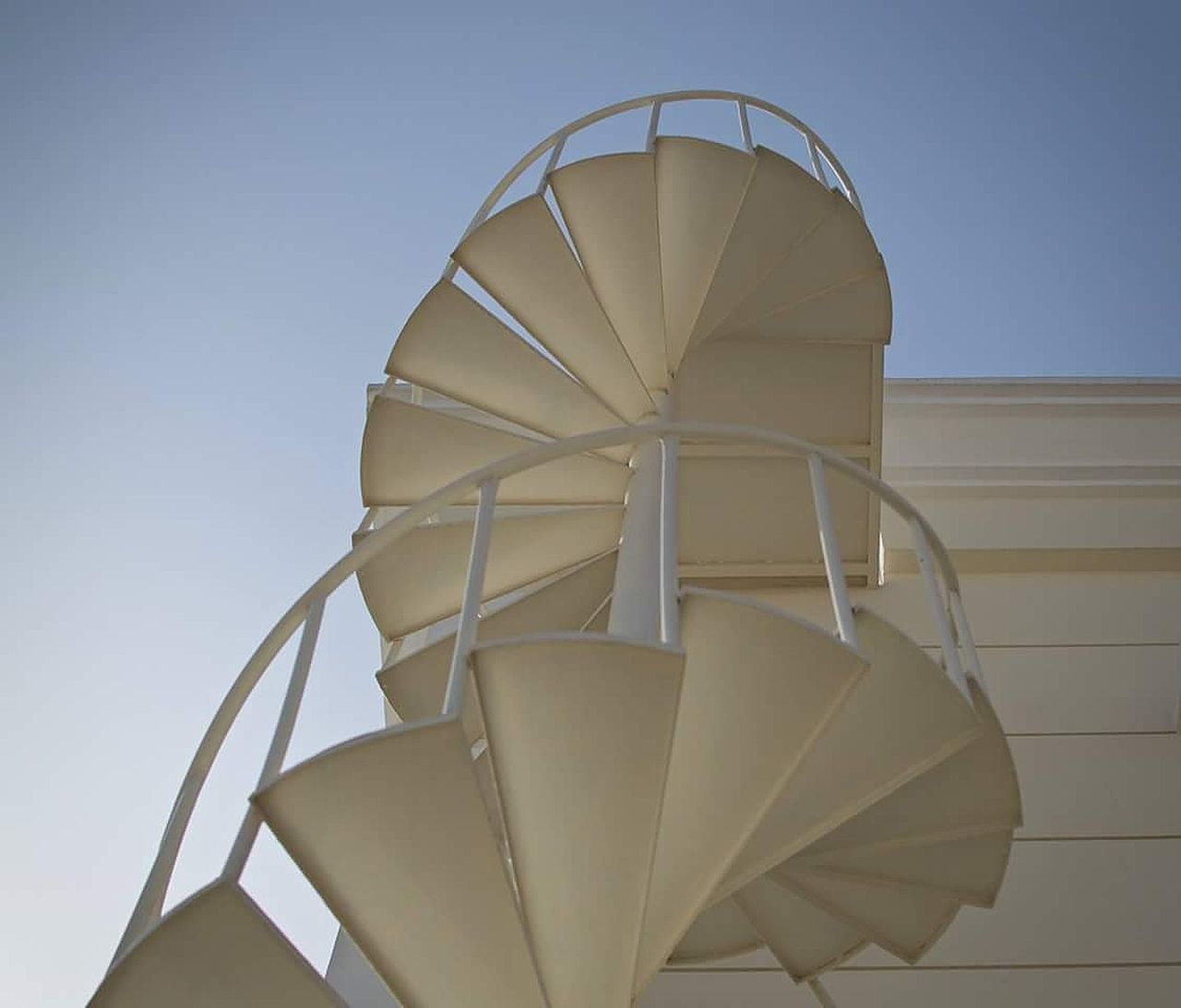 Staircase Eyeem Stairs Collection Minimalist Architecture Design House Sunshine Bluesky White Outdoors Abstract Dubailife The Architect - 2016 EyeEm Awards