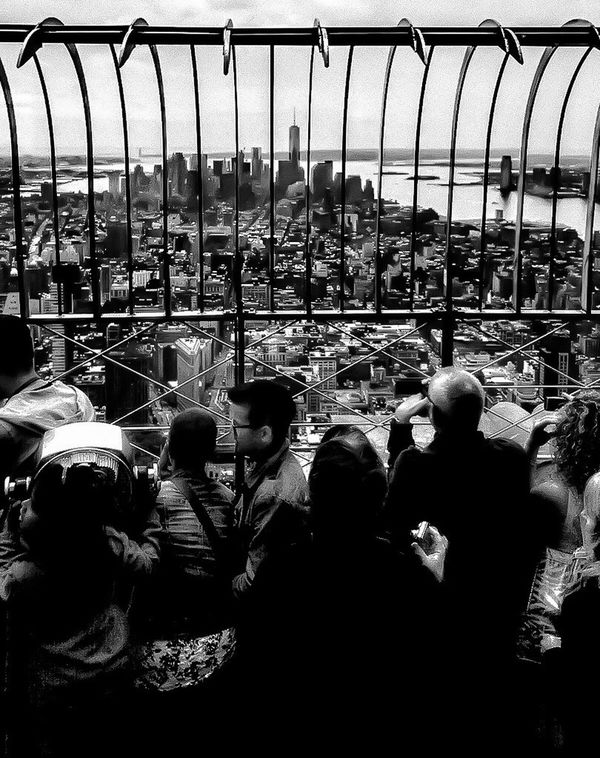 Empire State of mind.... LGarciaPhotography Olloclip Shot On IPhone 6 Plus Iphoneonly IPhone Shot On IPhone IPhoneography Monochrome New York Empire State Building Empirestatebuilding New York City NYC Bnw Bnw_friday_eyeemchallenge Bnw_collection Building Exterior Architecture Architecture_collection Building People Hudson River Real People Rear View Large Group Of People Men Outdoors Leisure Activity Day Sky Architecture Only Men Adult