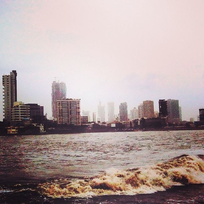 Mosoon Saturday Mumbai Hajiali View Buildings Sea Tides Water Shower Instaphotography Instaclick ..