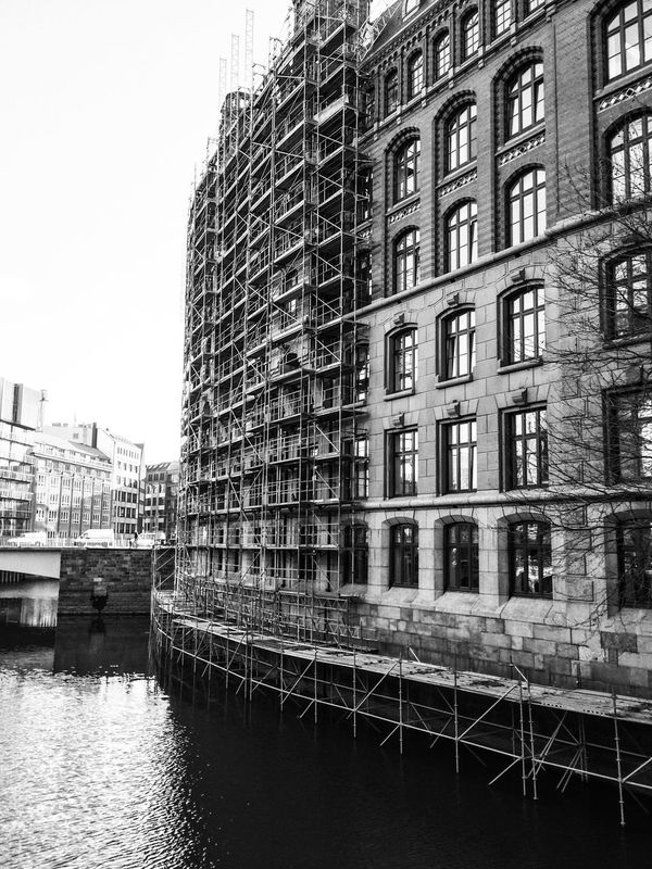 Architecture Building Exterior City Nikolaifleet Outdoors Red Brick Warehouse Renovation Residential Structure Scaffold The Architect - 2016 EyeEm Awards