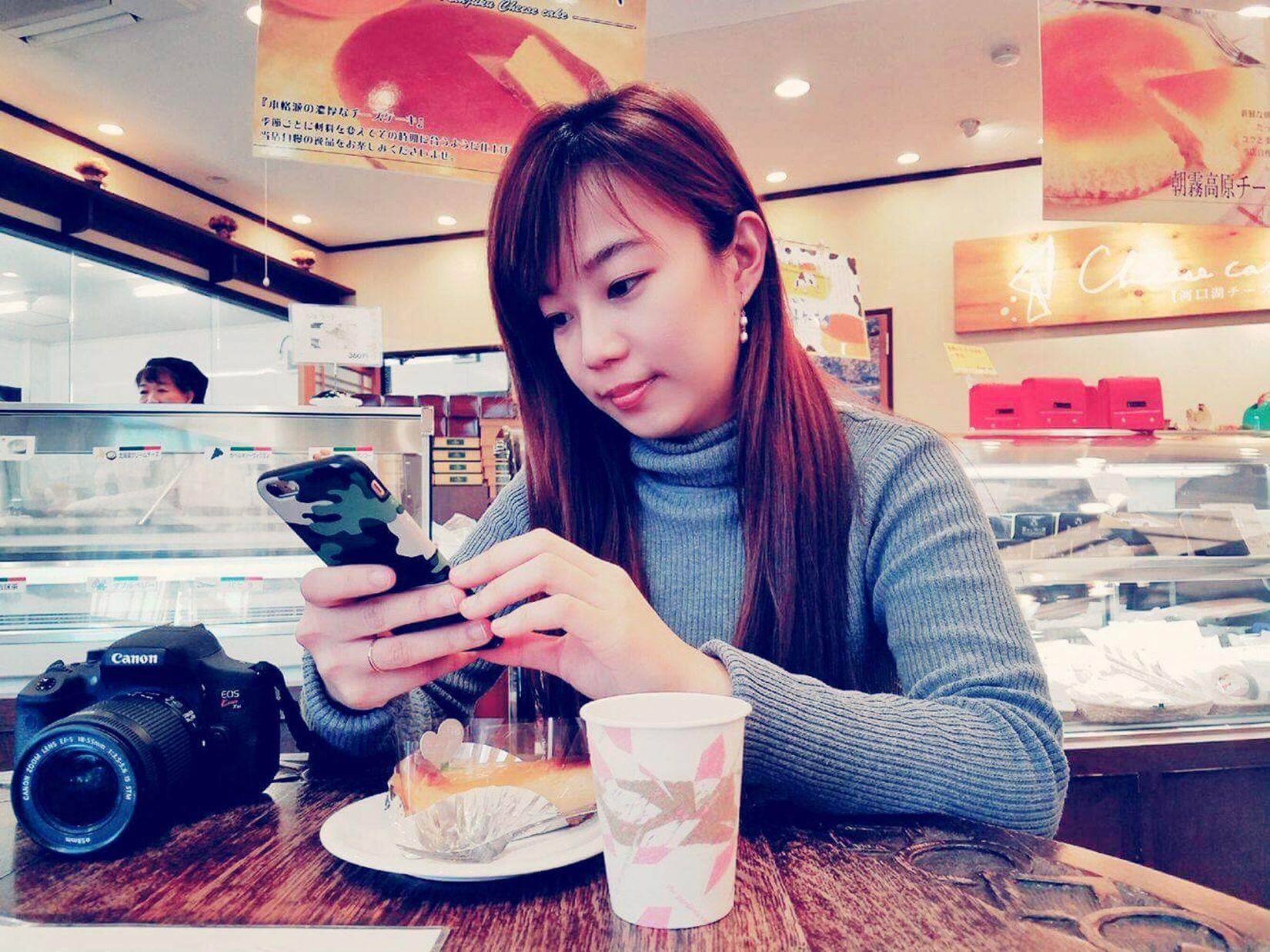 Mobile Conversations Cheesecakecafe Cakeandcoffee Perfectplacetorelax Japan