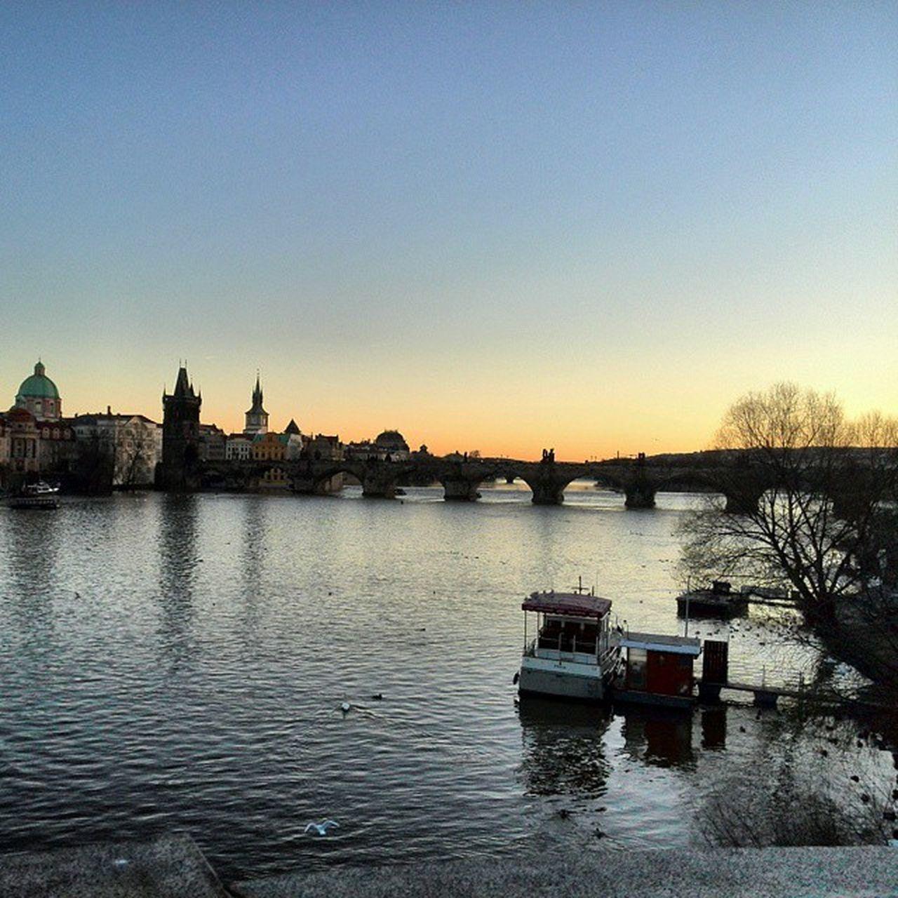 Praha Karluvmost Zapadslunce Vltava Lodka Prague Charlesbridge Sunset Cz Czech