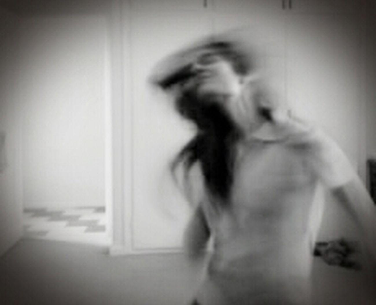 Selfportrait Lets Move