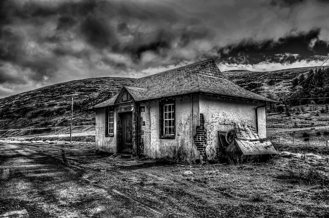 Abandoned Architecture Bad Condition Building Exterior Built Structure Damaged Deterioration Hdr_Collection House Obsolete Old Outdoors Ruined Tonemapped