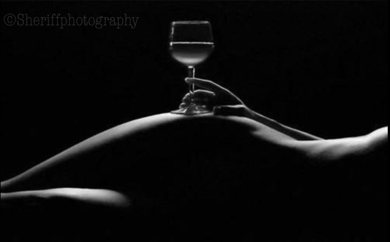 My Unique Style My BW Obession My Bw Obsession EyeEm Best Shots - Black + White Tadaa Community BW Collection The Amazing Human Body Female Community Female Femininity My Muse Nüde Art. Human Body Part Adults Only Adult Human Hand Women Sitting Drinking Glass One Person One Woman Only People Close-up