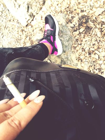 MeMyself&I Maisonmollerus👜 Sommer Handtasche Bag Nikeair Nikeairhuarache. Tierpark Nails Zigarette Chill Pipapo Love ♥