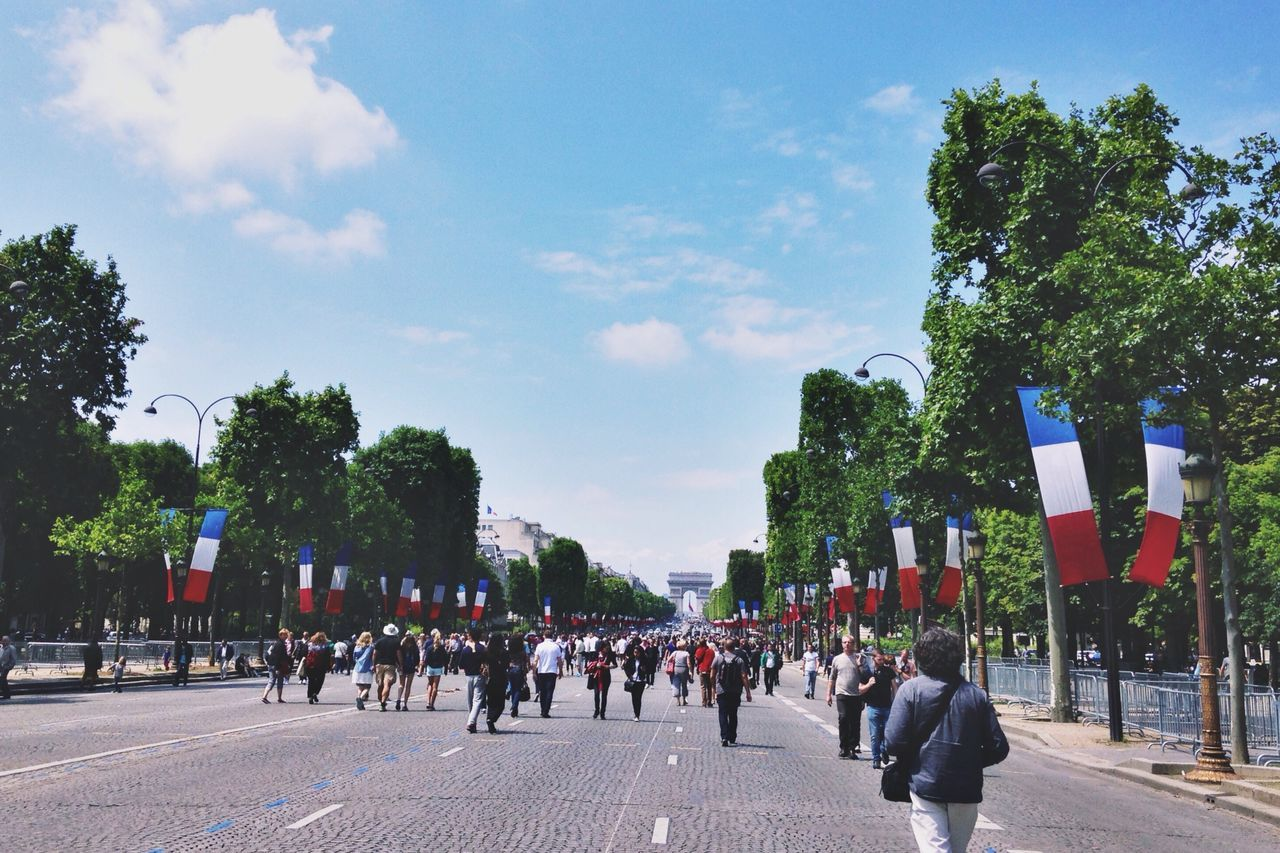 Champs-Élysées  Champs Elysees Champselysées Paris Paris ❤ Paris, France  France France 🇫🇷 Flag Street Road People Tree Trees Sky Celebration