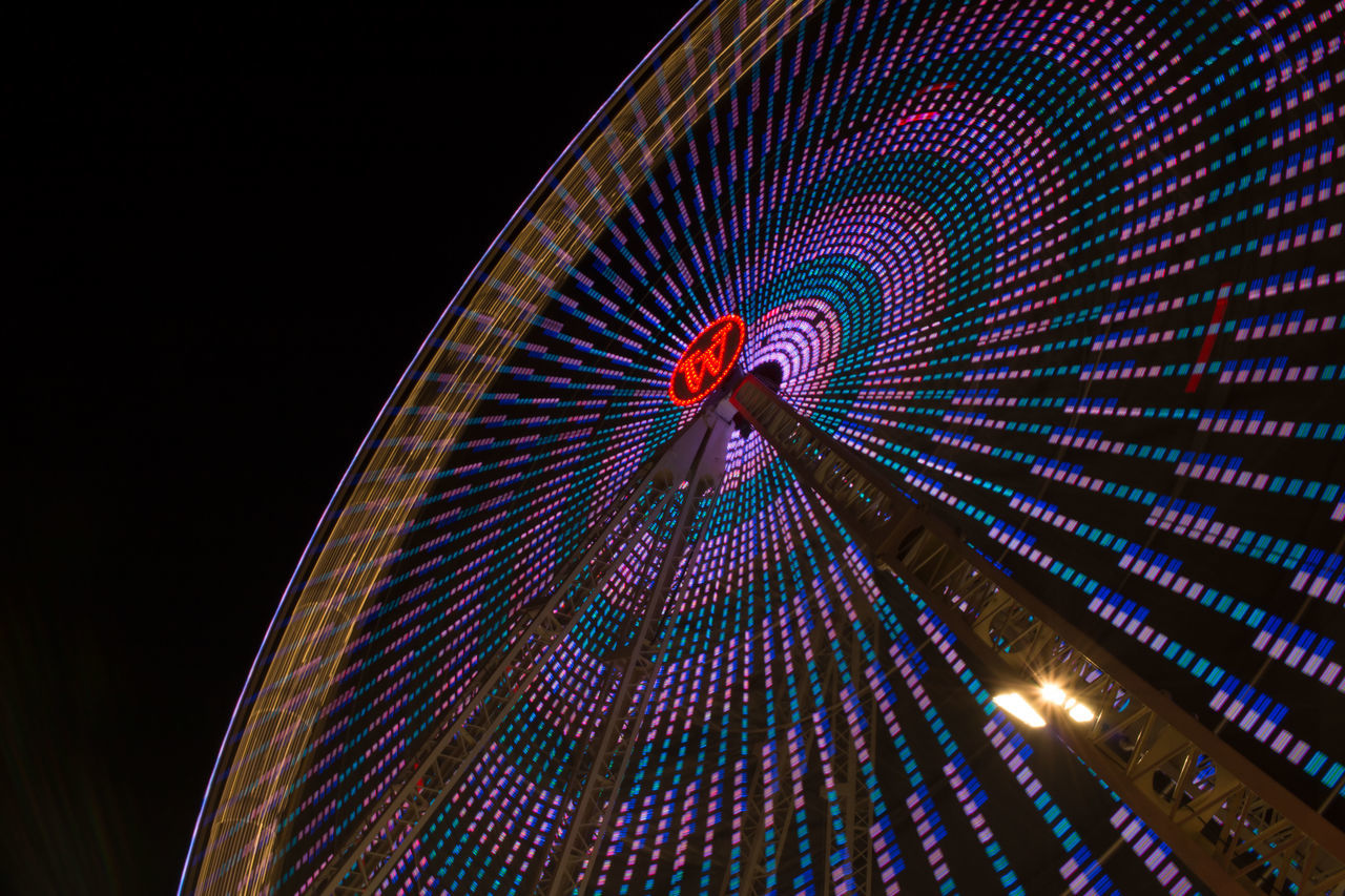 Illuminated Lichter Low Angle View Night No People Outdoors Riesenrad Rummel Frühlingsfest Fahrgeschäft Hannover Lights Night Lights Nacht Color Farbe Im Dunkel