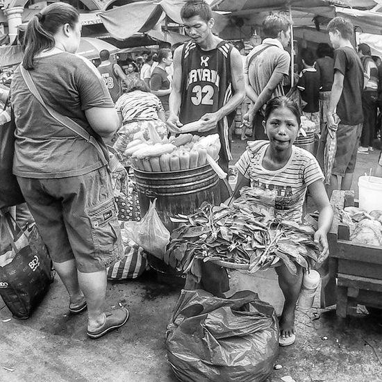Street Vendors Black & white challenge (day 4) Streetvendor Streetphotography Quiapo Manila