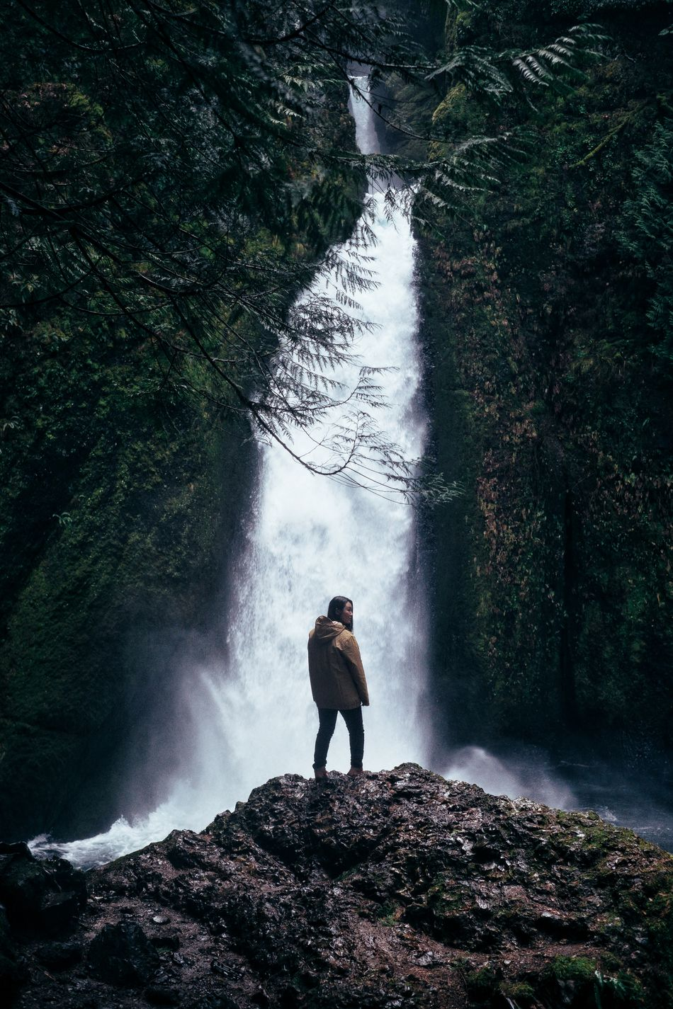 Adventure One Person Full Length Real People Outdoors People Nature Beauty In Nature PNW Water Waterfall Wahclella Falls Trail Travel Tourism Moody Tranquil Scene Oregon Columbia River Gorge Adventure