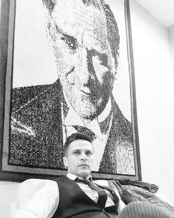 Sözünbittiğiyer Saygıyla Atatürk