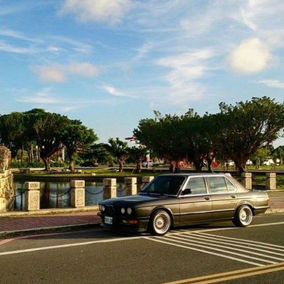 Bmw E28 Bbsrs Stance Dailydriver Nostalgiacars