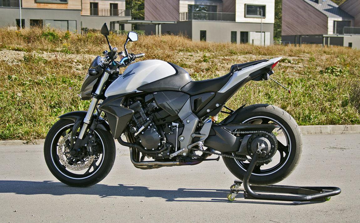 Baik Day Mode Of Transport Moto 1000 Motorcycle Outdoors Racer Transportation First Eyeem Photo