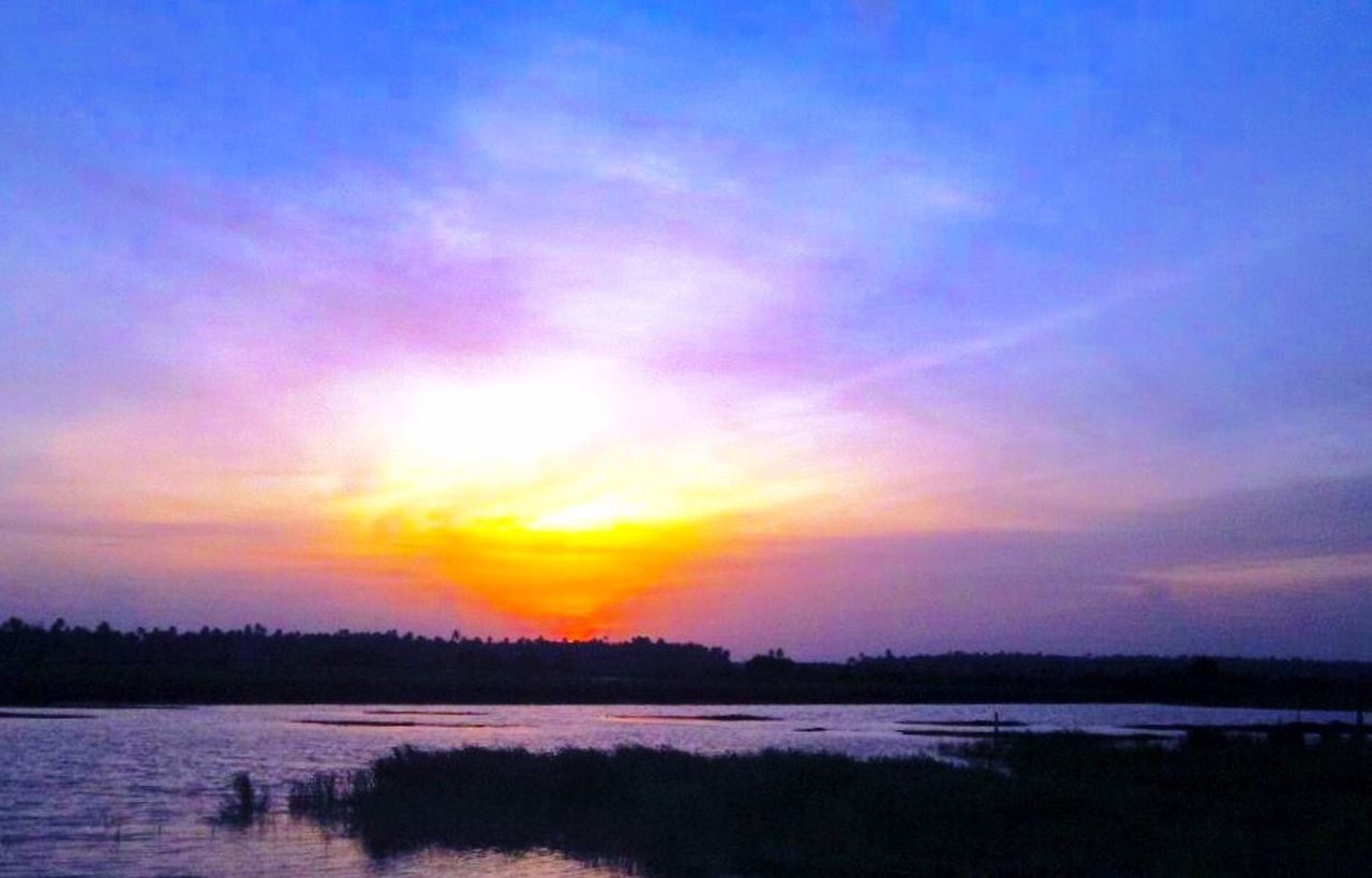 Sunset view from Kadamakkudy Islands is a census town in Ernakulam district(Kerala state) India. Colours Jeemals EyeEm Gallery Eye4photography  Colors EyeEm Nature Lover EyeEm Best Shots Colorful Nature Light And Shadow Light Sky EyeEm Best Shots - Nature Nature_collection Naturelovers Nature Photography EyeEmBestPics The Great Outdoors With Adobe